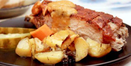 Маринованная свиная грудинка в духовке