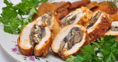 Куриный рулет с грибами, сыром, зеленью запеченный в фольге
