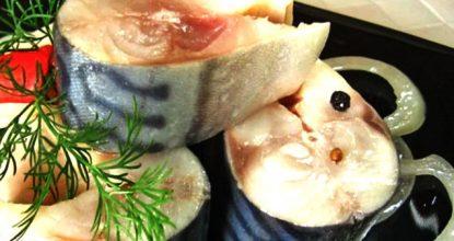 Быстрая маринованная скумбрия с луком (всего за 3 часа)