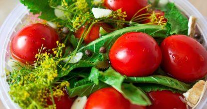 Домашние помидоры, консервированные с чесноком