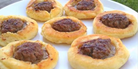 Открытые пирожки с мясом, без возни с тестом