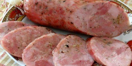 Колбаса домашняя варёная рубленная