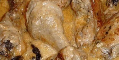 Восхитительная курица тушеная в сметане
