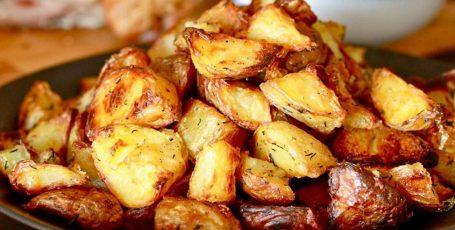 Супер хрустящая картошечка в духовке – это так вкусно!