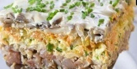 Очень вкусный салатик с селедкой