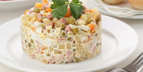 Салат «Оливье» : классический рецепт