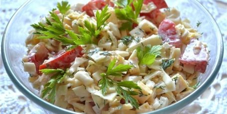 Салат из капусты и сыра