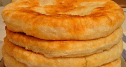 Пушистые лепешки на кефире: вкусно и быстро