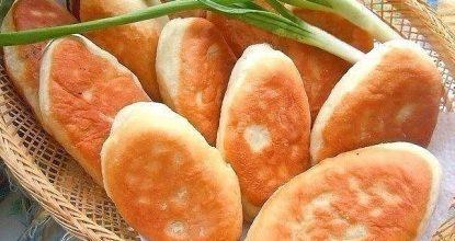Жареные пирожки с курицей и грибами