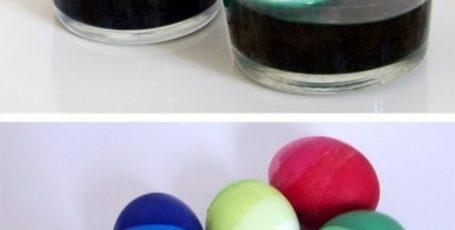 Интересный и простой способ крашения яиц к Пасхе