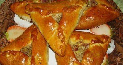 УЧПОЧМАКИ (татарские треугольные пирожки)