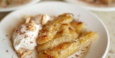 Десерт из запеченных бананов – очень вкусно и просто