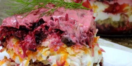 """Салат """"Чингисхан""""  Яркий, вкусный, сытный салат для будней и праздников. Готовится совсем несложно."""