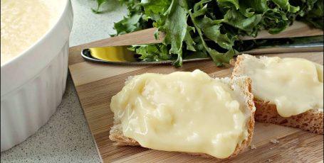 Попробуйте сделать для своих деток плавленный сыр сами!  Не пожалеете!