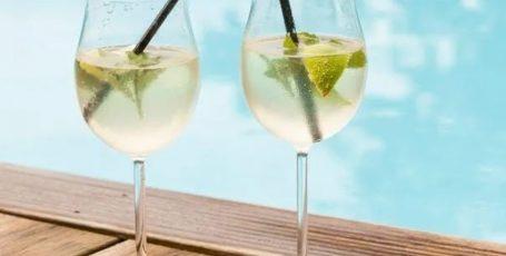 Цитрусовый шприцер из белого вина