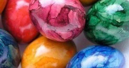 Декорирование яйца мраморным узором